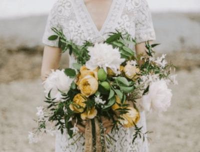 букет невесты из хризантем фото