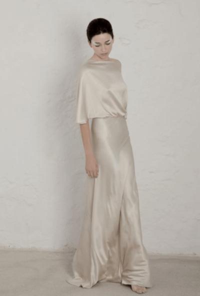 свадебное платье атласное с кружевом