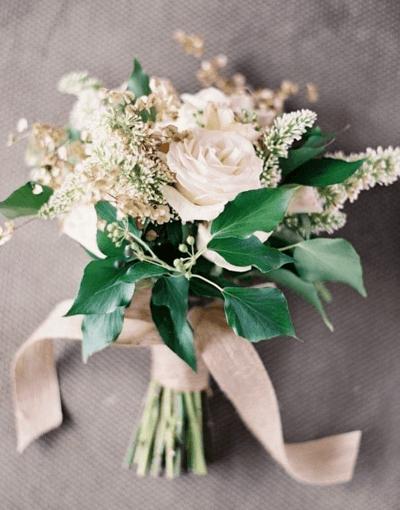 букет невесты цвета айвори