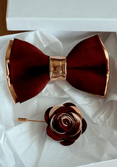 свадебный букет с бордовой лентой