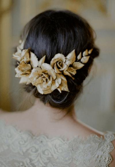 свадебный букет из маленьких роз