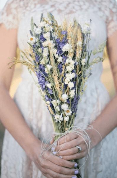 полевые свадебные букеты