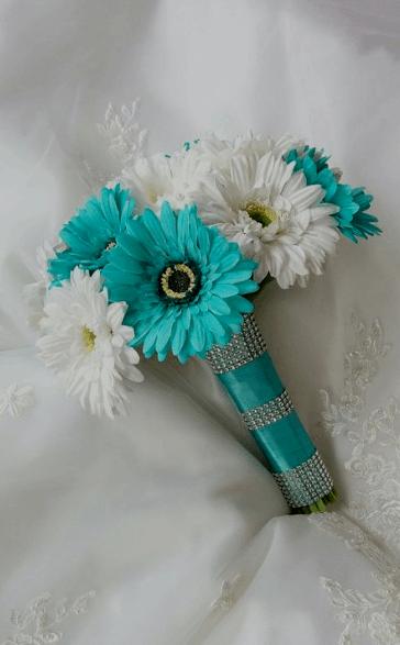 свадебный букет с бирюзовыми цветами