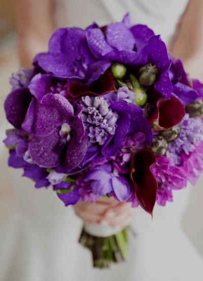 букет для невесты фиолетовый с белым