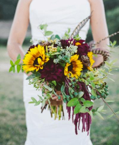 свадебный букет невесты в бордовом цвете