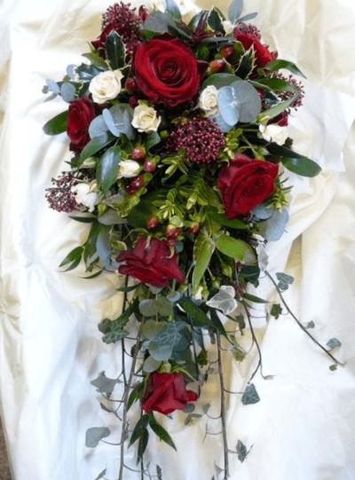 свадебный букет в красном цвете фото