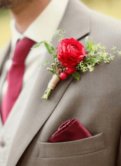 бутоньерка красная для жениха