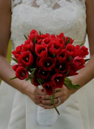 свадебный букет в красном цвете