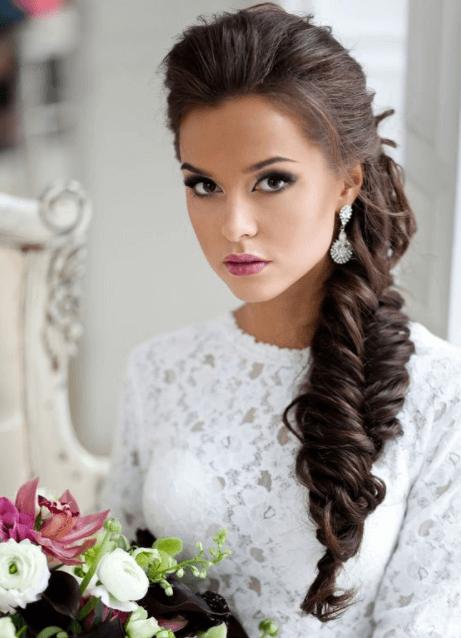 прическа на свадьбу с косой
