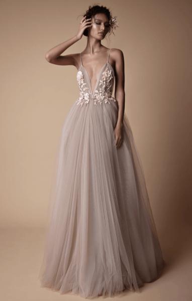 платье свадебное а силуэт с кружевным верхом