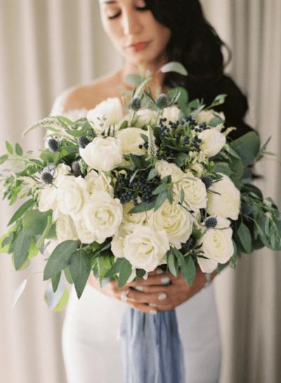 свадебный букет пионы и розы