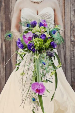 свадебный букет невесты в сиреневом цвете