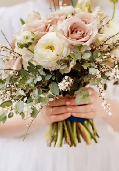 свадебный букет к платью айвори