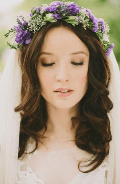 букет невесты с фиолетовыми цветами