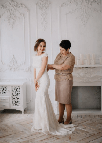 кто покупает свадебное платье невесте по традиции