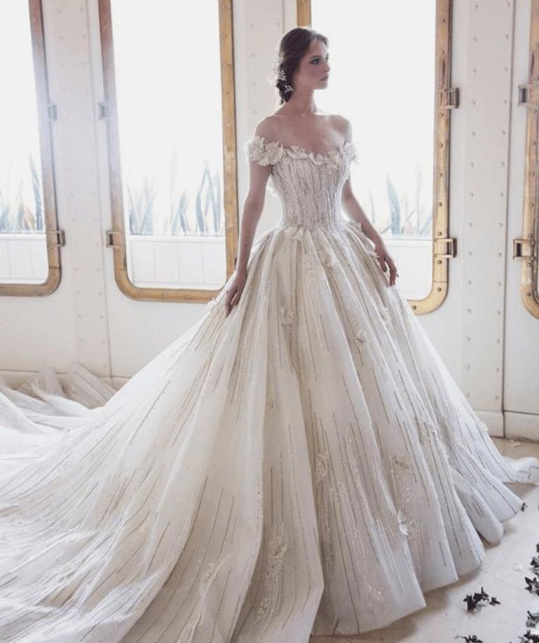 пушистое свадебное платье фото
