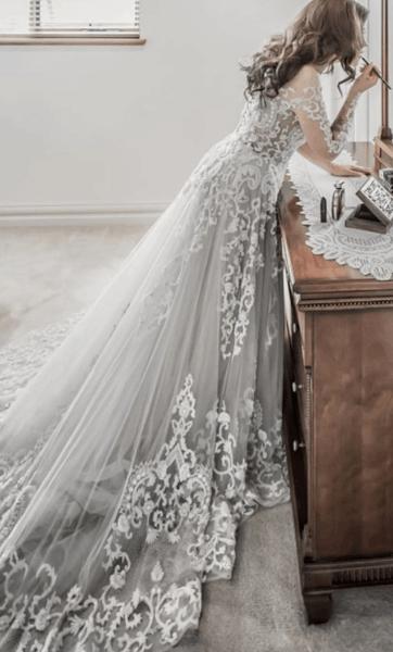 серо голубое свадебное платье