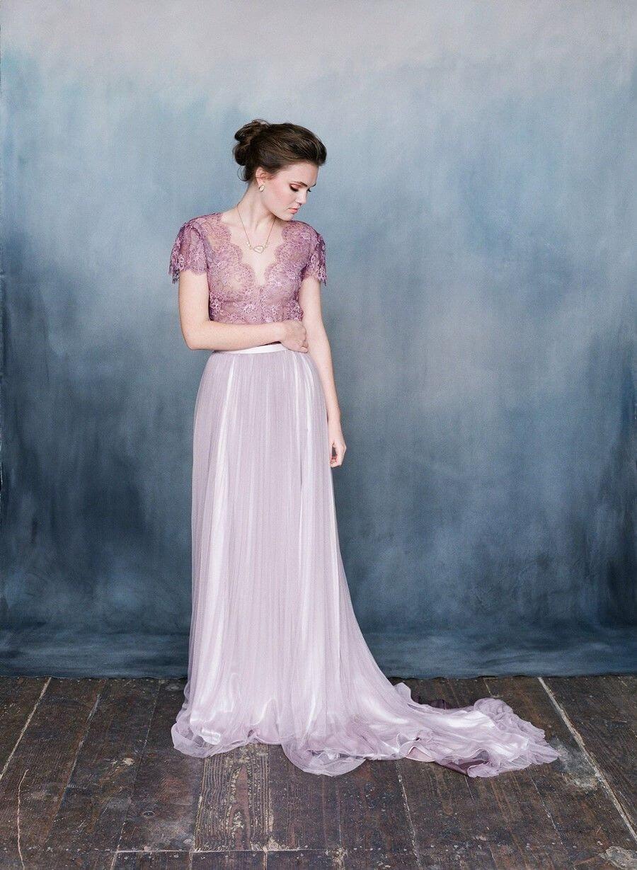фиолетовое свадебное платье фото