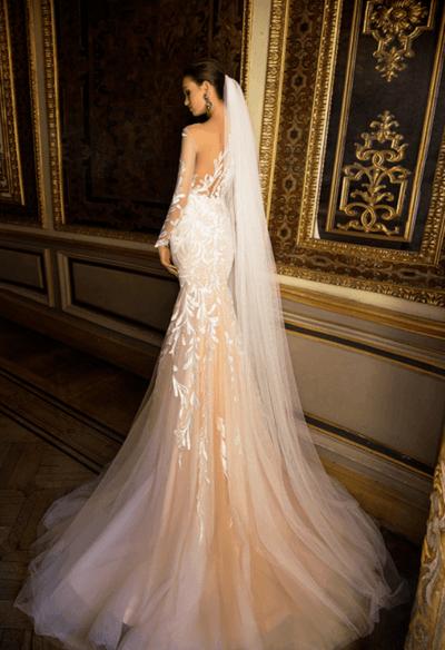 свадебное платье шампанского цвета