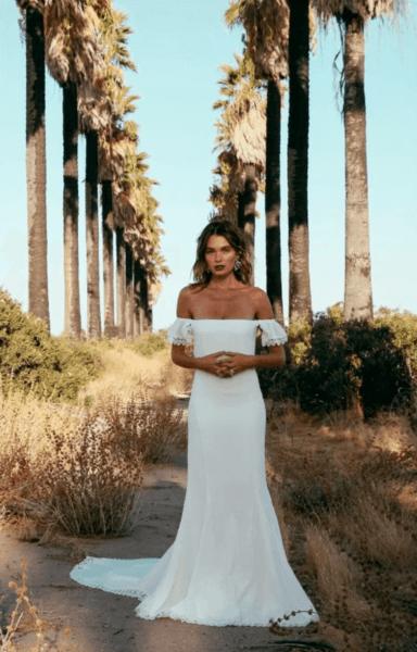 платья на свадьбу для девушек летом