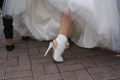 белыет уфли на каблуке на свадьбу фото
