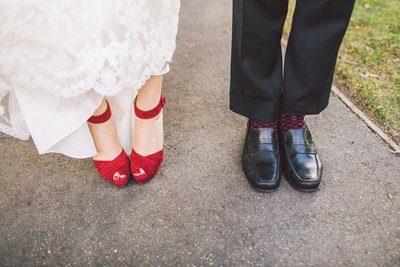 почему нельзя босоножки на свадьбу невесте