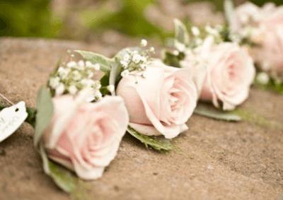 бутоньерки для подружек невесты бутоньерка для свидетелей