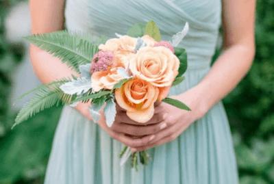 svadebnie-buket-dlya-miniatyurnih-nevesti-primeti
