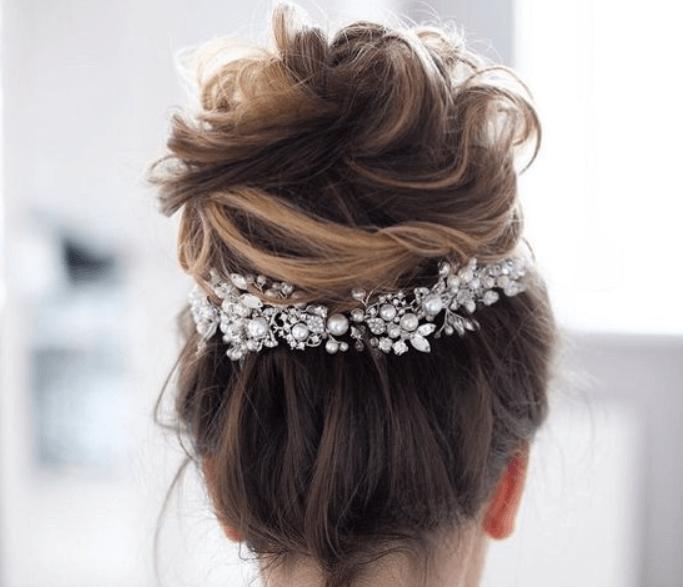Шикарные легкие прически невесты