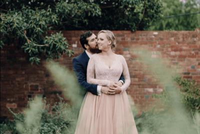Как выбрать свадебное платье большого размера — на что обратить внимание?